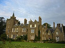Finavon Castle.jpg