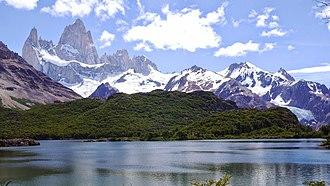 Fitz Roy - Fitz Roy and lake Capri - Parque Nacional Los Glaciares - January 16 2015