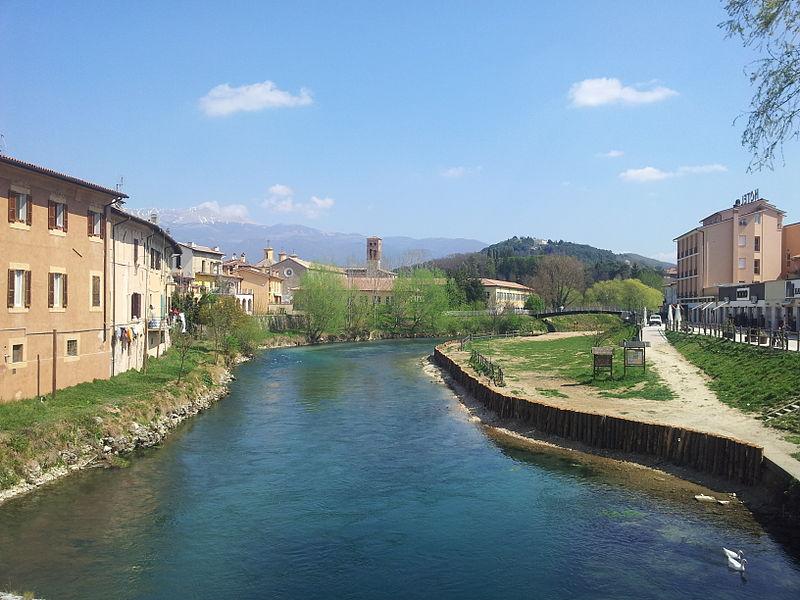 File:Fiume Velino - Rieti, dal ponte Romano - 2.jpg