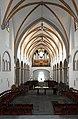 Florinskirche Koblenz, Blick vom erhöhten Chor in das Langhaus.jpg