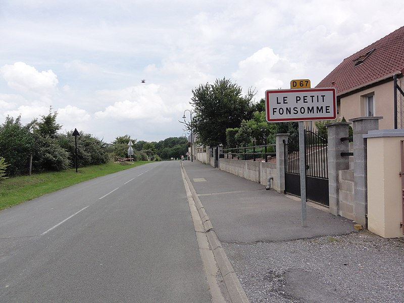 Fonsomme (Aisne) city limit sign Petit Fonsomme