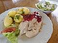 Food in Sobkow Castle (2) indyk gotowany.jpg