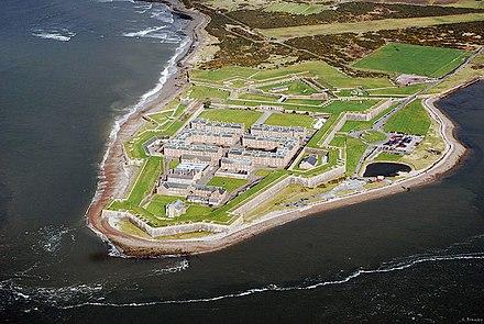 スコットランドのフォート・ジョージ、空中から。イギリス諸島その時代のもので最も保存状態のよい砦
