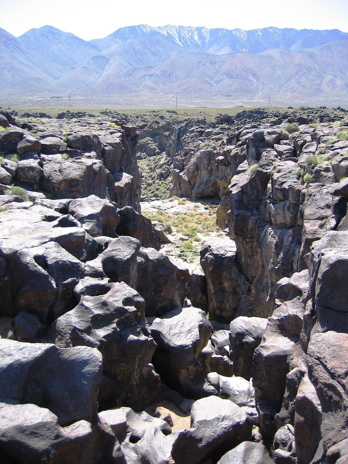 Fossil Falls - Wikipedia