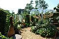France Loir-et-Cher Festival jardins Chaumont-sur-Loire 2006 16 Cache cache a l ombre des extravagantes 01.JPG