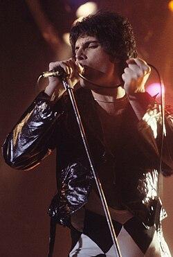 Freddie mercury performing in new haven, ct, november 1978