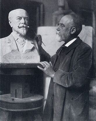 Fritz Schaper - Schaper in his studio (1909)