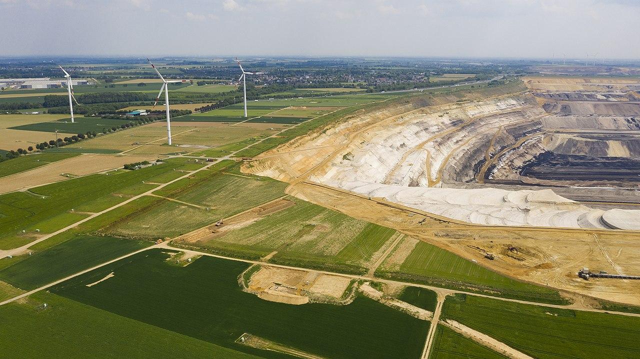 Garzweiler surface mine 2019 3.jpg