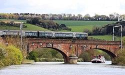 Gatehampton Bridge - GWR 166208 down train.JPG