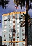 Georgian Hotel Santa Monica (15386756070).jpg