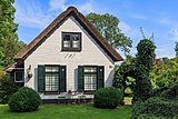 Giethoorn Netherlands Channels-and-houses-of-Giethoorn-17.jpg