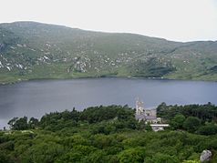 Glenveagh Castle und See Lough Veagh