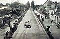 Grand Prix de l'ACF 1906, Camille Jenatzy sur Mercedes dans la ligne droite avant Saint-Calais.jpg