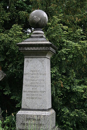 Henry Walter Bates - Bates' grave in East Finchley Cemetery