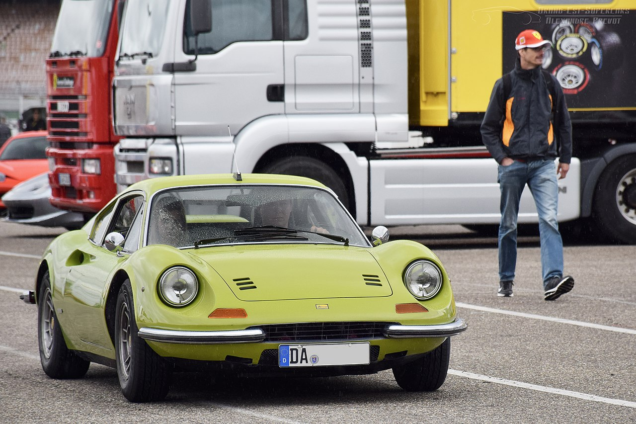 File Green Ferrari Dino 246 Gt 70th Anniv Jpg Wikimedia Commons