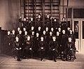 Gruppbild kvinnliga elever Gymnastiska Centralinstitutet Stockholm ca 1900 gih0131.jpg