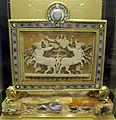 Gruppo del trionfo di bacco, età giulio claudia con altri cammei di età imperiale e montature di l. valadier del 1780, da louvre, 01.JPG