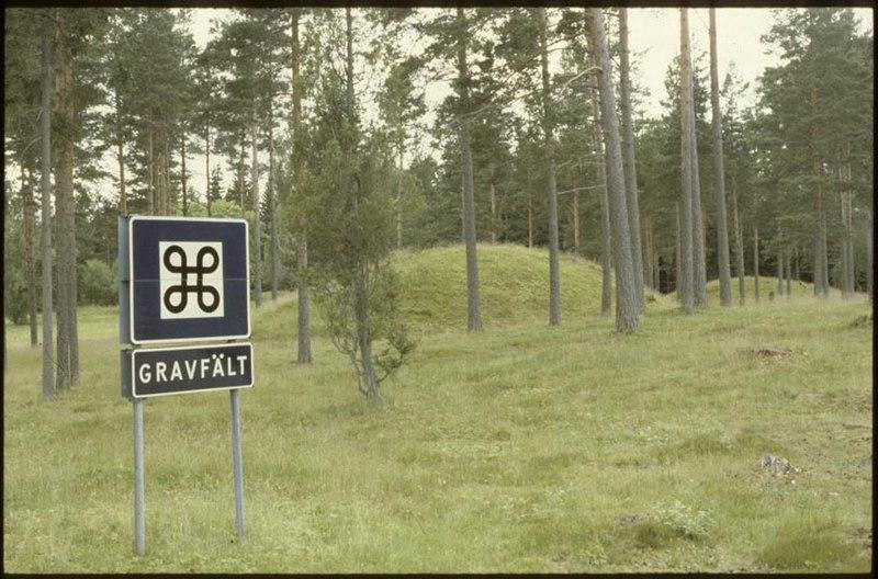 File:Gullhögarna - KMB - 16001000029606.jpg