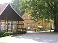 Halle Stockkämpen Pfarrhaus und Pfarrheim.jpg