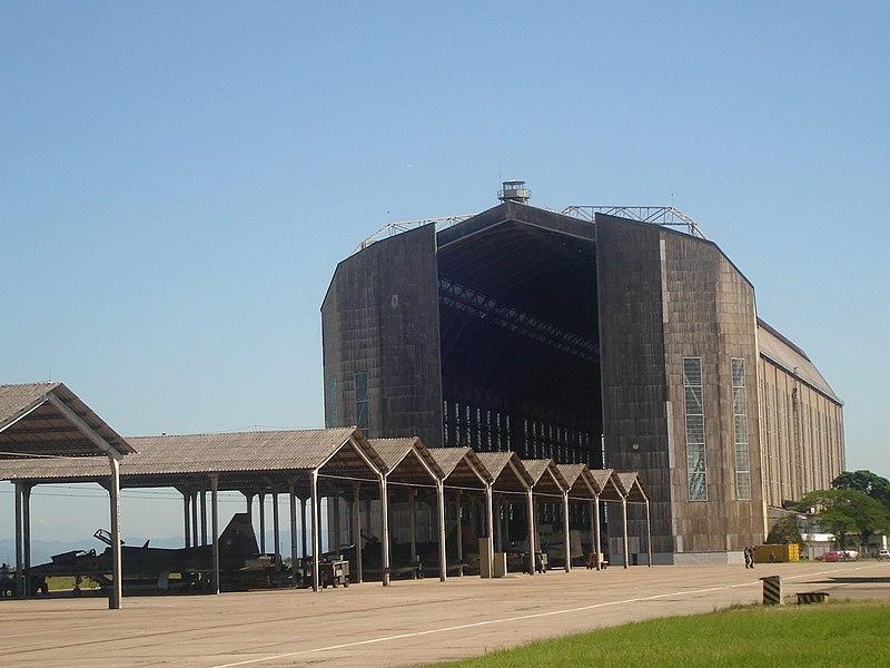 Hangar de Zeppelins.jpg