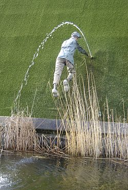 Waterfall and stuff 250px-Hans_Brinker_Madurodam