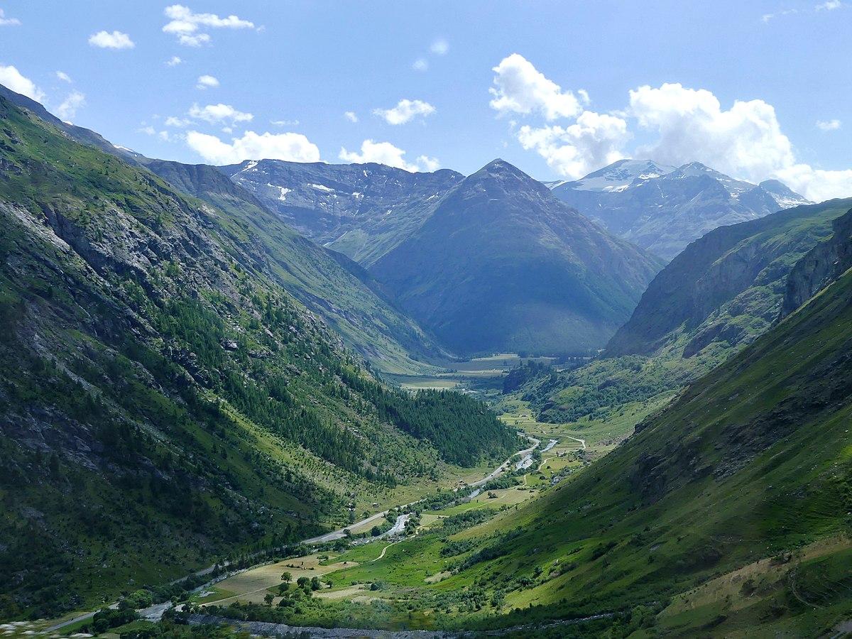 Haute-Maurienne vue de la route du col de l'Iseran (été 2019).JPG