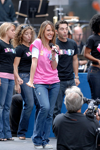 "Haylie Duff - Duff in Hairspray performing ""Mama, I'm a Big Girl Now"" during a street performance of the song"