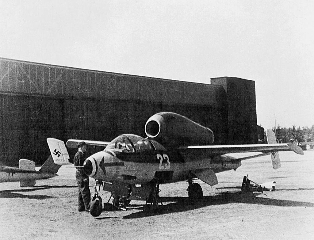 1024px-Heinkel_He_162_in_France_1945.jpg