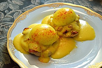 Eggs Benedict - Eggs Benedict with bacon