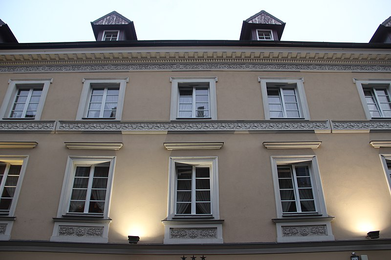 File:House in Poznań - panoramio (2).jpg