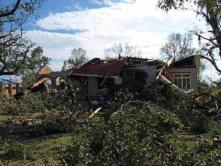 A house on Springhill Avenue destroyed in the Christmas Day 2012 tornado House on Springhill Avenue Mobile 12-29-2012.jpg