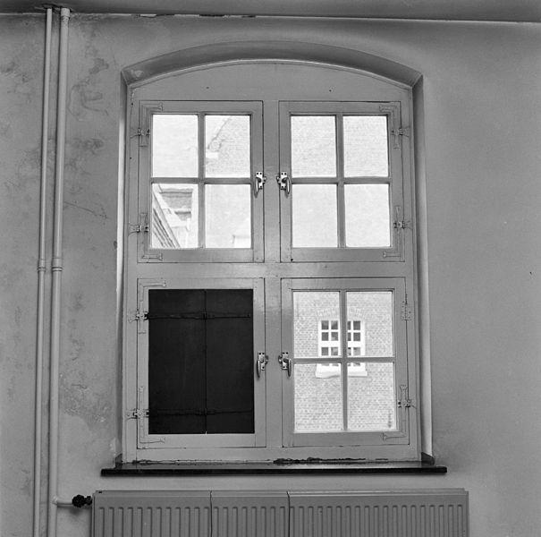 File interieur eerste verdieping kloostergang draairaam for Interieur 605