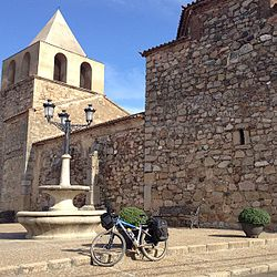 Iglesia de El Carrascalejo (Badajoz).jpg