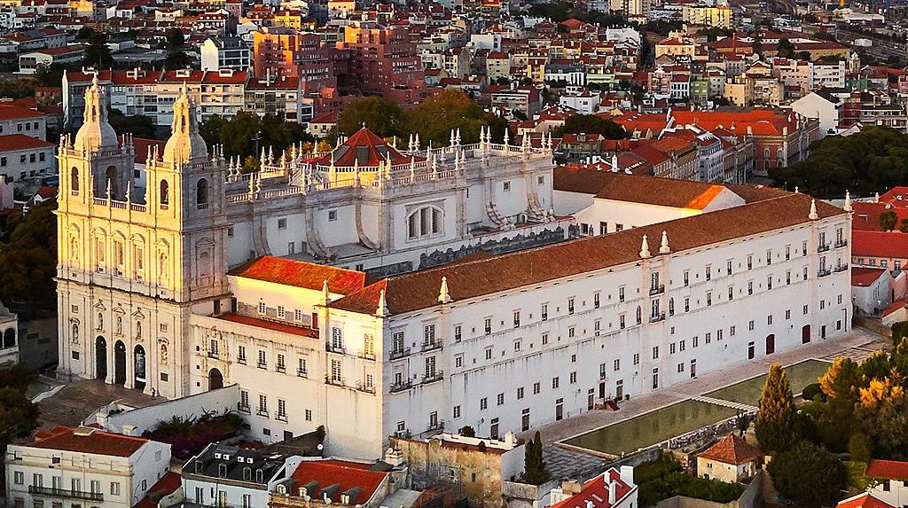 Vue aérienne du monastère Mosteiro de São Vicente de Lisbonne - Photo de Denseel.