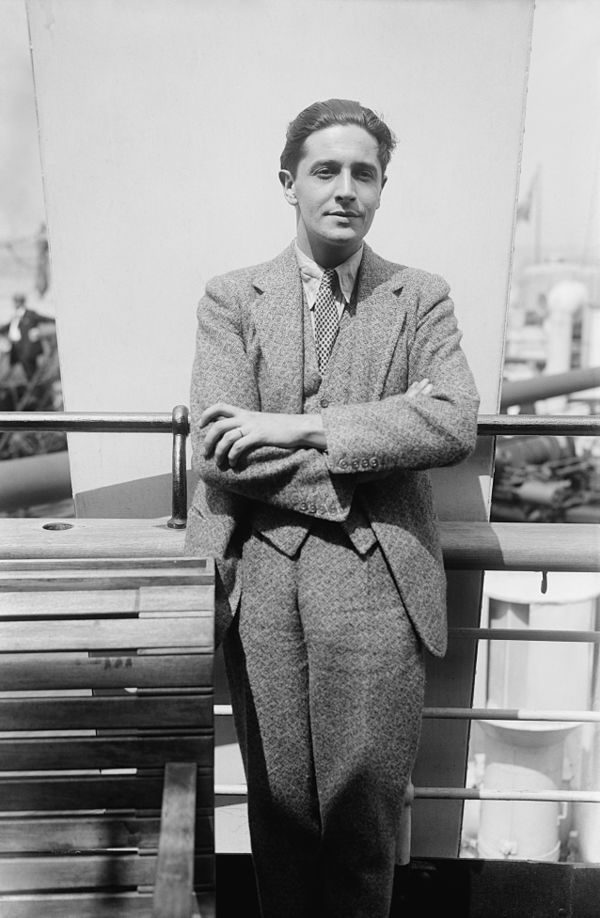 Photo Ivor Novello via Wikidata