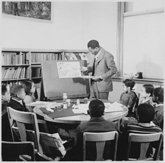Jacob Lawrence - Lawrence teaching school children at the Abraham Lincoln School.