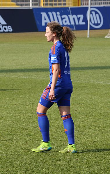 File:Julia Arnold BL Muenchen-6.jpg - Wikimedia Commons