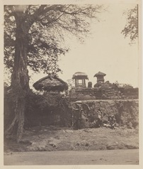 KITLV 4399 - Isidore van Kinsbergen - Ruins of a temple (Penataran) on the road of Boeleleng to Singaradja - 1865.tif