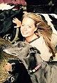 Karen Soeters met kalfje en galgo.jpg