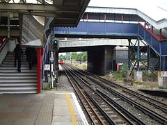 Kenton station look north3.JPG