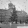 Kerstpotten aktie van Leger des Heils, Bestanddeelnr 914-5980.jpg