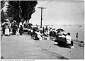 Kew Beach from sidewalk in 1918.jpg