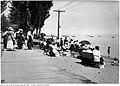 Kew Beach from sidewalk in 1918.jpg