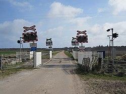 Kirkton level crossing 2010 (13175660004).jpg