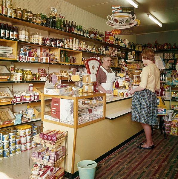 File:Kruidenier in Boskoop Dutch grocer.jpg