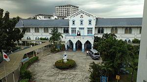 La Consolacion College Manila - Image: La Consolacion College Manila 08