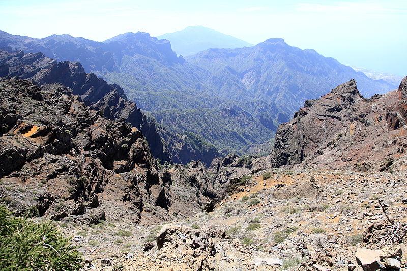 File:La Palma - El Paso - Caldera de Taburiente + Bejenado (Mirador de Los Andenes) 01 ies.jpg