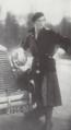 La comtesse de Ganay et sa Renault Reinastella, dans le magazine L'Illustration (1930).png