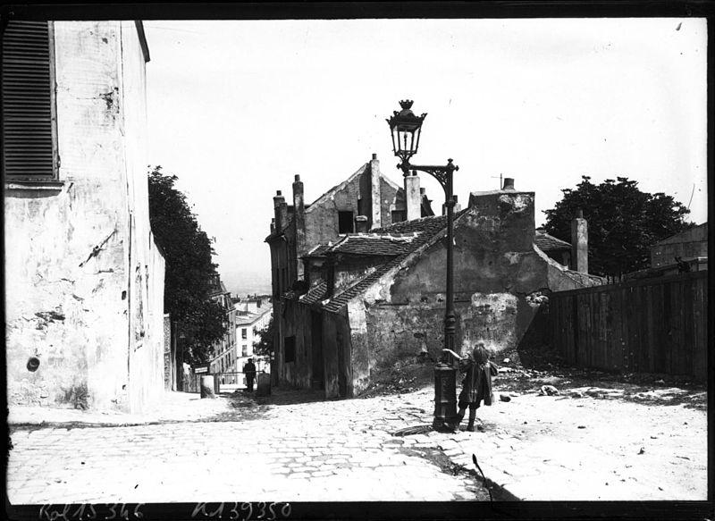 Fichier:La rue du Mont-Cenis (Paris XVIIIe) en 1911.jpeg