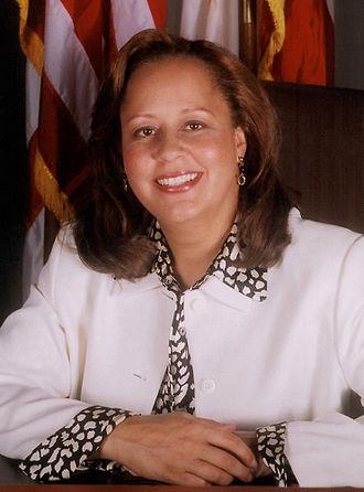 Laura Richardson - Image: Laura Richardson Official portrait